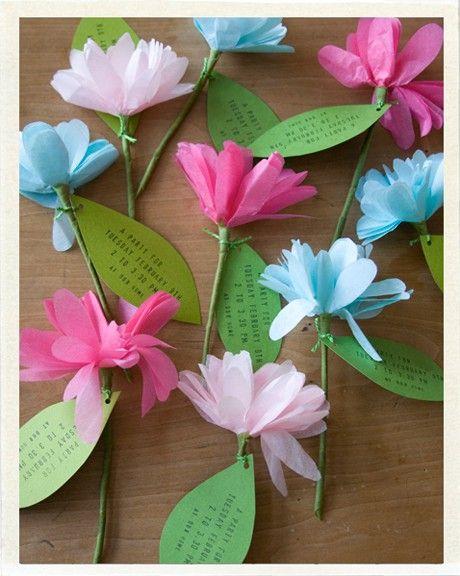 des fleurs en papier de soie pr sent es pour f te des m res f te des m res pinterest. Black Bedroom Furniture Sets. Home Design Ideas