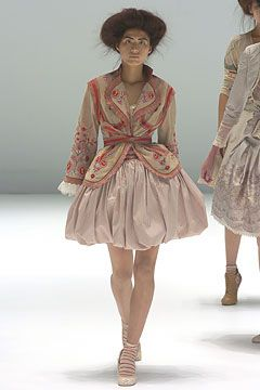 Alexander McQueen | Spring 2005 Ready-to-Wear Collection | Style.com