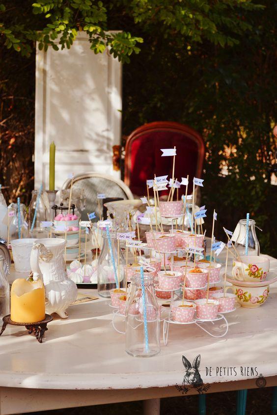 Tea party Alice in wonderland DIY http://www.alittlemarket.com/boutique/de-petits-riens