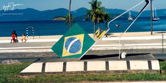 """Obra do arquiteto Waslington Paz Data 31/07/1994 Local : Angra dos Reis/RJ Inscrição: """"Angra é meu paraíso. A natureza me ajuda a pensar: a analisar os erros e acertos"""" Ayrton Senna"""