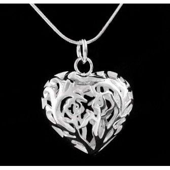Handmade Jewelry: Silver Plated Heart Pendant Necklace Gift http://beautyoffemininity.com/store/