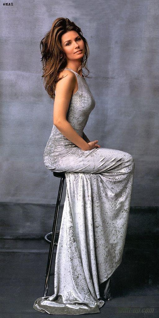 Shania Twain 36D-24-35