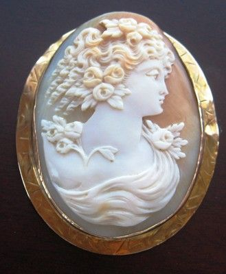 Antique Victorian/Edwardian Shell Cameo in 10K Gold Brooch - Greek Goddess Flora