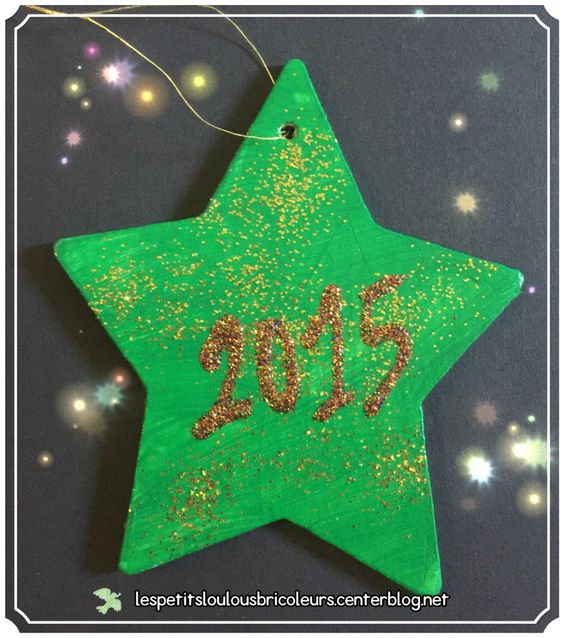 ETOILE DE NOEL  Petite décoration pour le sapin de Noël