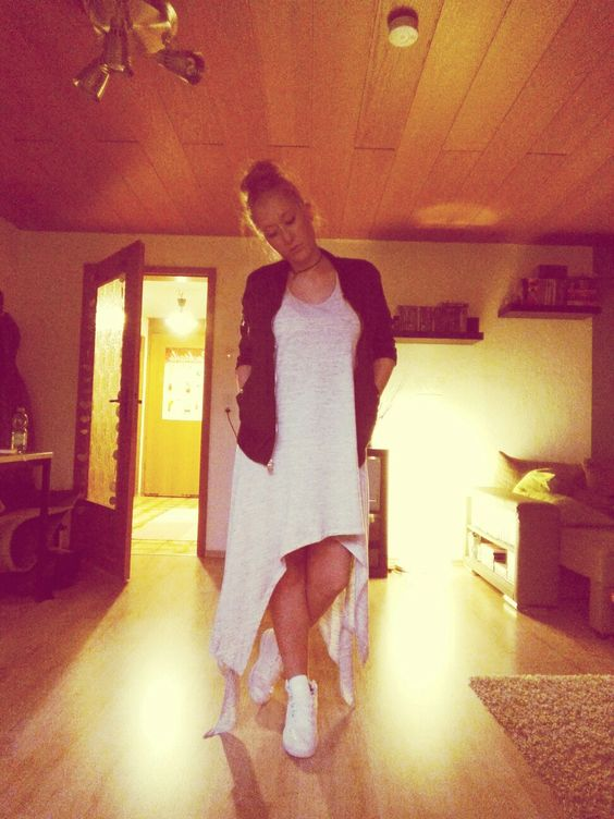 #dress #sneaker #bomberjacke #streetstyle