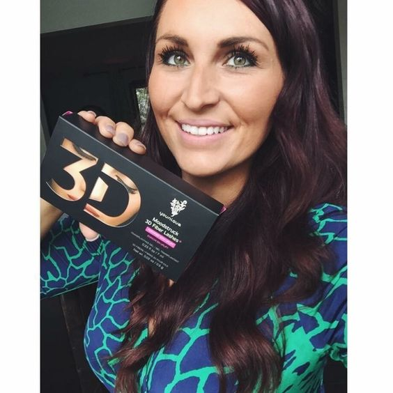 Younique 3D Fiber Mascara! ❤️ www.ThoseGorgeousLashes.com  Go for up to 3x the wow factor with Moodstruck 3D Fiber Lashes that are water-resistant, yet wash off easily with Shine Eye Makeup Remover Cloths. This is quite possibly the most mood-altering, life-changing product in the cosmetics world! Try it risk-free for 14 days! ❤️ younique Makeup Mascara