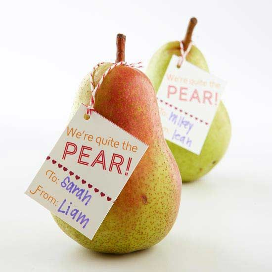 Fresh fruit becomes an adorable valentine. Free label available here: http://www.bhg.com/holidays/valentines-day/cards/valentines-day-cards-with-candy/#page=15