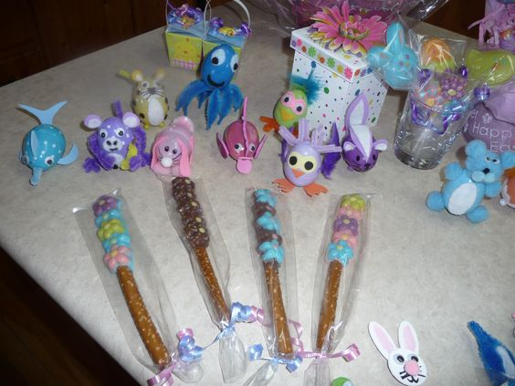 Chocolate dipped pretzels chocolate lollypops eggamals for Crafts to make for sale