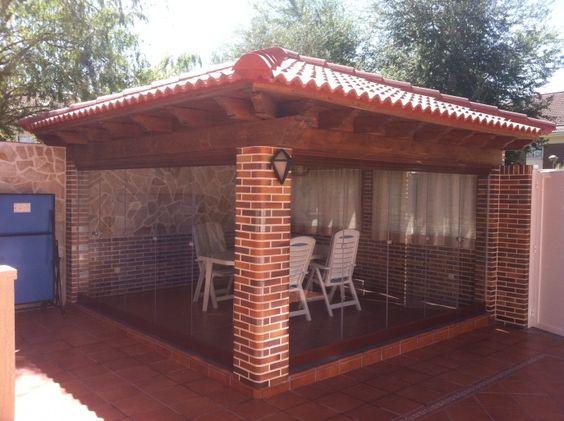 De ladrillo visto y tejado de madera y tejas con for Tejados de madera con teja