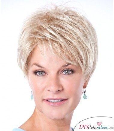 Kurzhaarfrisuren Fur Frauen Ab 50 Elegant Schick Und Modern Frisuren Ab 50 Feines Haar Kurze Bob Frisuren Feines Haar Haarschnitt Kurz