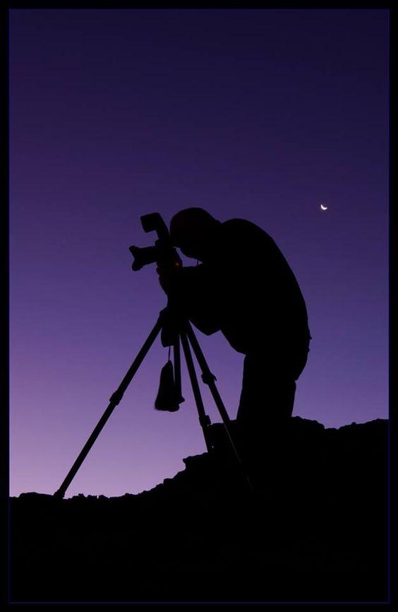 Luis Argerich 16 de Julio de 2013   don Diego Arranz devenido en astrofotógrafo buscando la Luna en la hora del crepúsculo.