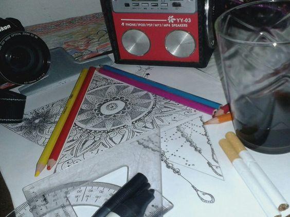 #Desenho #Cafe #Camera #Cigarros e #Música