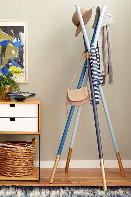 20 Apartment DIYs You Can Actually Do #refinery29  http://www.refinery29.com/easy-spring-projects#slide-15  Wooden Dowel Coatrack by Emily HendersonTry subtle colorblocking on this coat rack, then leave it coat-free once spring really hits.