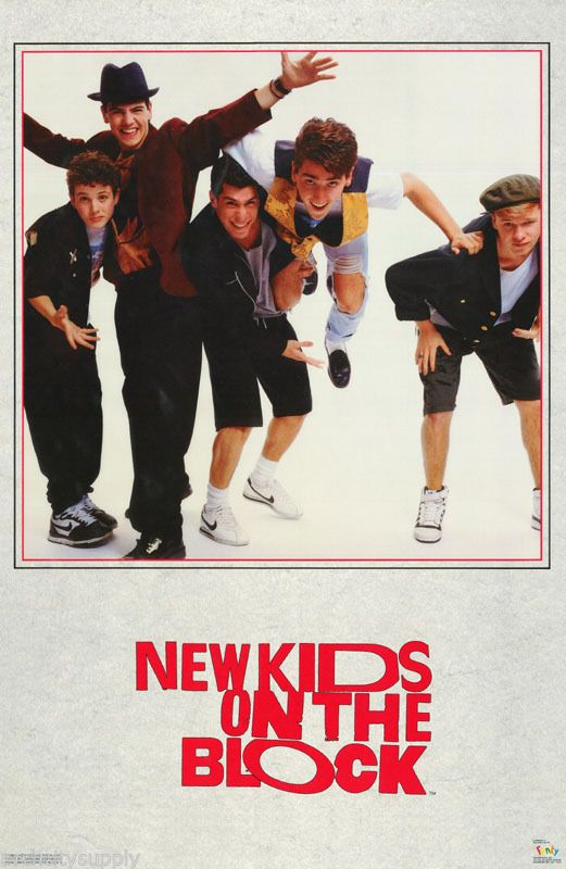 POSTER :MUSIC :NEW KIDS ON THE BLOCK - GROUP POSE- FREE SHIP! #3245  RW7 B: