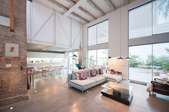 Single House Building \/ Lluís Corbella + Marc Mazeres - innenarchitektur industriellen stil karakoy loft