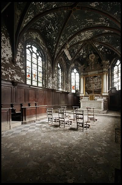 Abandoned chapel in Belgium.