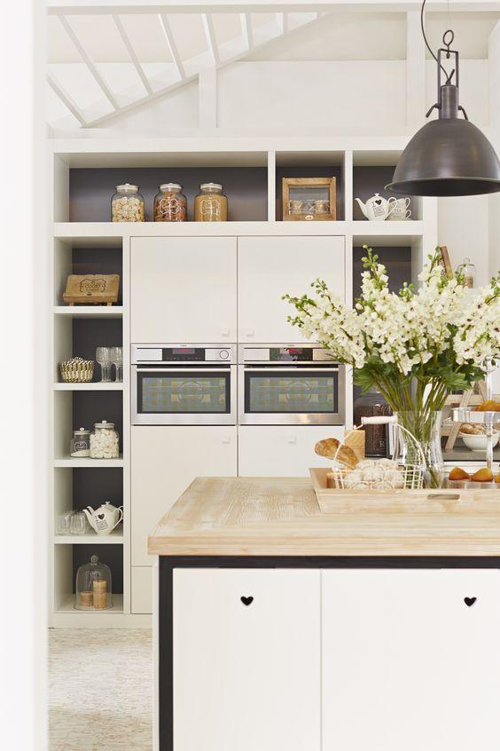 Riverdale keuken houten producten met een witte, naturel