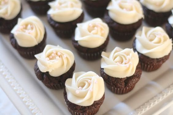Chocolate Banana Cupcake with Cream Cheese Frosting