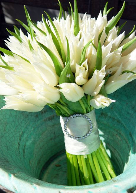 Wedding Bouquets for Every Budget: Budget Bouquet from Moutan, Hants
