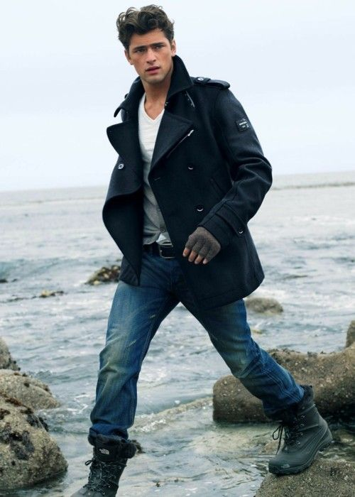 peacoats, vests, tee shirts, jeans, outdoor boots / black, grey, white, denim.
