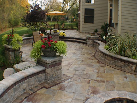 Retaining walls wall fireplaces and fireplaces on pinterest for Landscaping rocks daytona beach