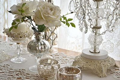 Pretty: Decorating Vignettes, Silver Decor, Decor Style, Decor Ideas, Antique Decoration, Shabby White Cream Silver, Decor Homes