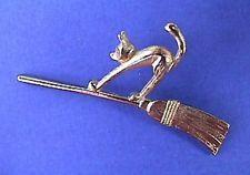Buy3/obtenga 1 Gratis ~ Avon Pin de Halloween de colección encantadora Gato escoba 1980s vacaciones Corbata Tac