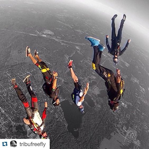 #Repost @tribufreefly with @repostapp. ・・・ Weekend action at @skydivedeland #tonfly #uptvector #performancedesigns #vigil #larsenandbrusgaard #mvtoilicito #ilicitorider #oceansunglassesvzla #gopro #carvervzla #goproeverything #peopleareawesomevzla #goprovzla @hoohbe @peopleareawesomevnzla  @goprovzla @mvtoilicito  @truehonor #tribufreefly #teamtruehonor #oceansunglasses