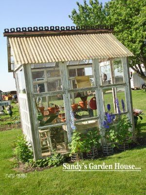 old window frames to build a greenhouse - 5 DIY ideas for upcycled greenhouses. I WANT THIS!!!!!!