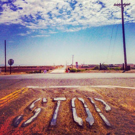#stop #desert #drive #road #travel #travelamerica #sky #wanderlust #nomadnotes #lilahum #adventures #movingintofreedom #discoveramerica #gypsylife #photography #usa #instadaily #instatravel #lovetour #roadtripusa #roadlife #vagabond #wanderllust #california #saltonsea