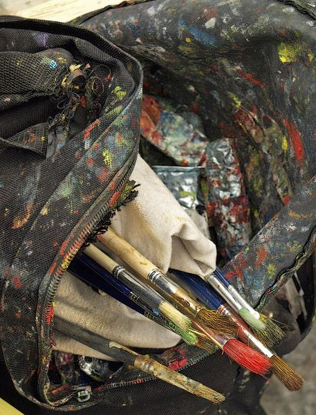 An artist's bag with his brushes and tubes of paint at the corner of rue Aubry le Boucher and rue Saint-Martin