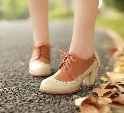 Sapatos/ Shoes/ Oxford/ salto