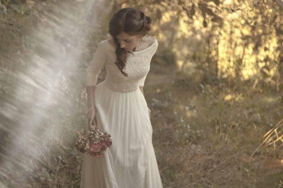 Dulces y de estilo vintage son los vestidos de novia de la firma de moda nupcial L'Arca.