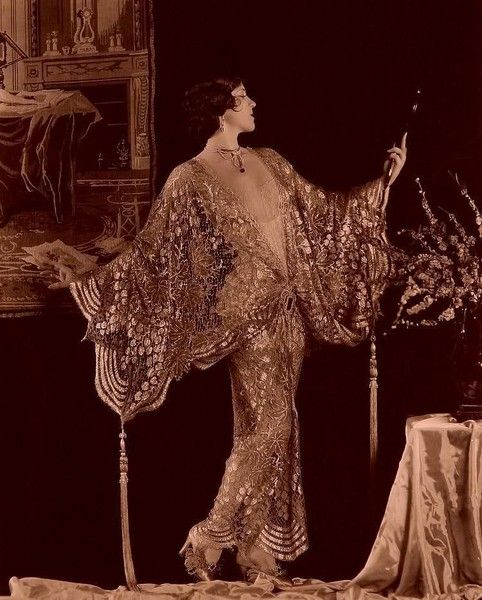 It wasn't called the roaring 20s for nothing! Oh the entrance this woman had!