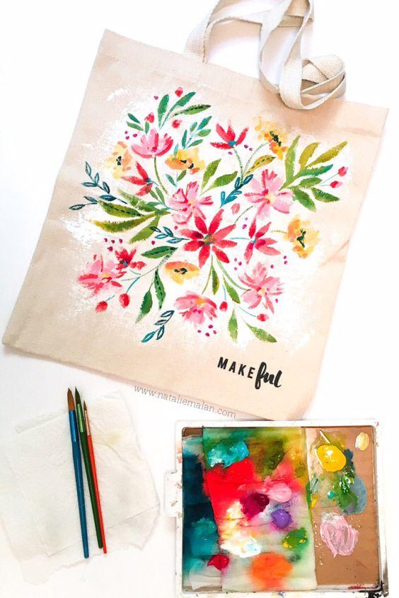 Tote bag pintada a mano con flores