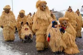 """Résultat de recherche d'images pour """"costume masque bulgarie"""""""