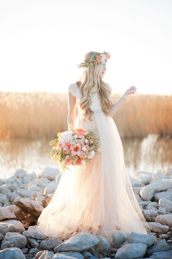 Combinação do Buquê com a Tiara de Flor...adoravell  #WeddingGown | See more on SMP - http://www.StyleMePretty.com/utah-weddings/2014/01/07/gold-peach-mother-daughter-bridal-inspiration/ Kristine Curtis Photography