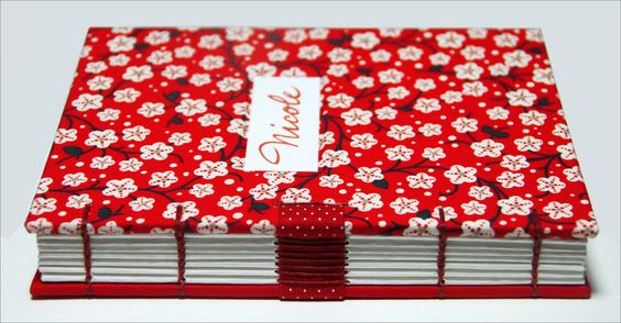 https://flic.kr/p/a21DzJ | Livro da Nicole |  Miolo em papel Rives off white 170 g/m2 cortado à mão. Tamanho 16,5 x 12 cm.
