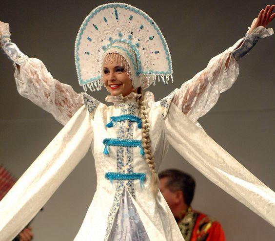 Metelitsa, Russian folk dance, ensemble Barynya ...