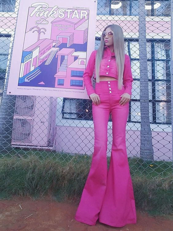 Gli Arcani Supremi (Vox clamantis in deserto - Gothian): Neon and sparkly aesthetics and style for young womens