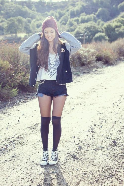 20 Style Tips On How To Wear Knee Socks This Winter ... Knee High Socks Summer Outfits