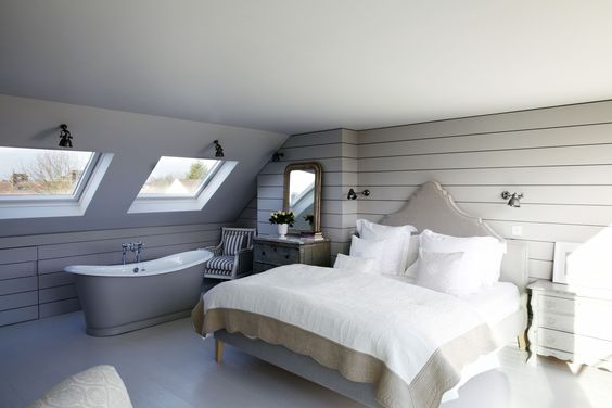 Master Suite Loft Conversion With Free Standing Roll Top Bath Shootfactory Location Agency Www