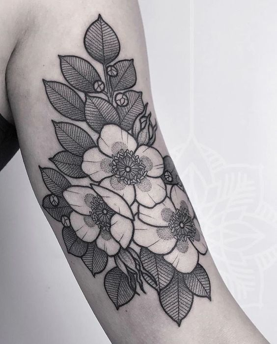 Flower Tattoo With Lined Shading On The Arm Done By Herzdame Www Otziapp Com Traditional Tattoo Flowers Black And White Flower Tattoo Floral Tattoo Sleeve