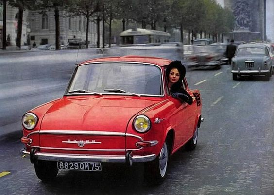 girls_and_cars_05