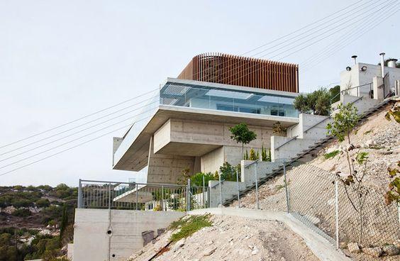 Casa responde à paisagem com um design moderno - limaonagua