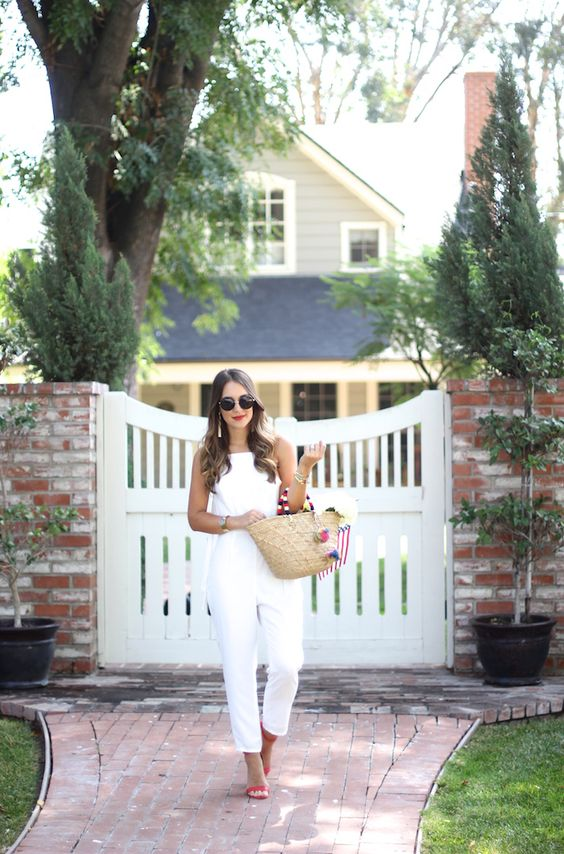 @KathleenCBL and her White Ruffled Romper rocked the fourth of July, check out this great post!: