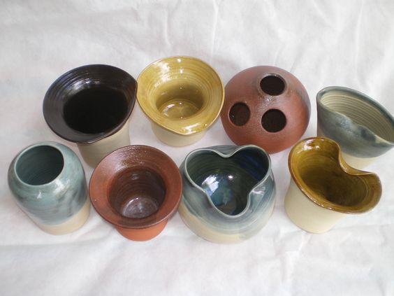 Vasos para Ikebana, peças unicas com formas cores e modelos variados, trabalhos realizados em torno de oleiro.