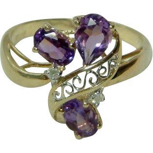 @rubylanecom Attractive Antique 18ct Gold Diamond + Amethyst Gemstone Ring.