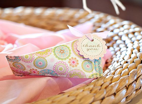 Tutorial} Favor Boxes from Flower Garden Party!