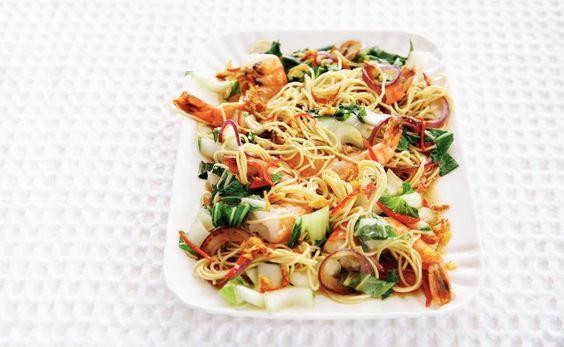 Geroerbakte garnalen met gember en paksoi - Recept - Allerhande